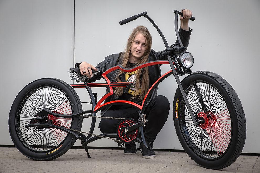 """Слэш из Guns N' Roses получил свой собственный """"безумный велосипед"""" от Адама Ждановича"""