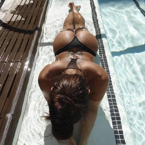 Великолепные девушки в купальниках