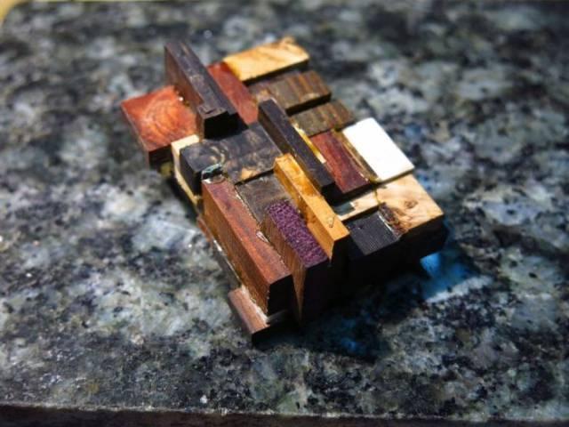 Оригинальный чехол для зажигалки из обычных обрезков дерева