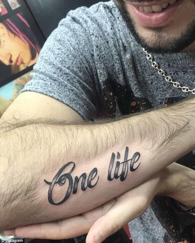 nelepie-intimnie-tatuirovki
