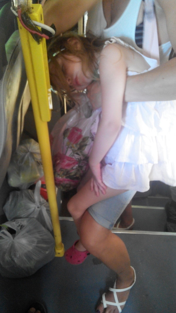 Все прелести общественного транспорта в жару