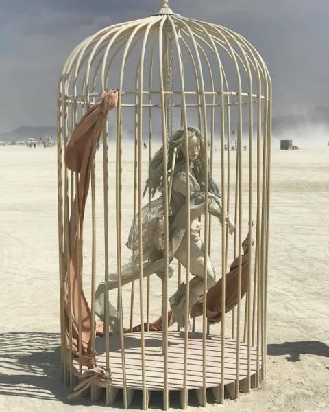 Для самовыражения некоторым людям подходит только пустыня
