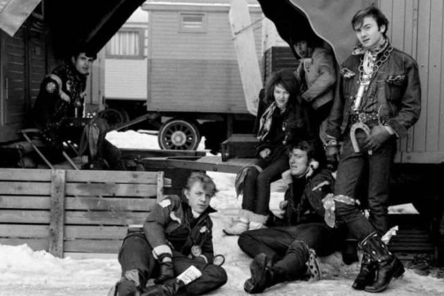Хотите знать, как выглядели бунтари-подростки Швейцарии в эпоху рок-н-ролла?