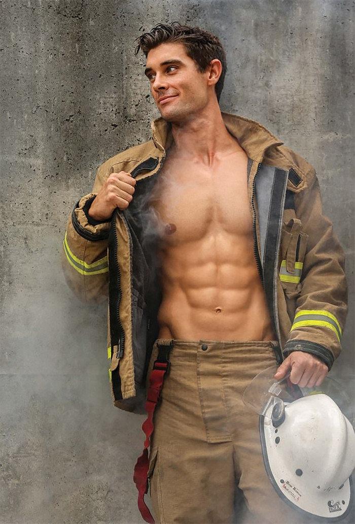 Пожарный сексуальный
