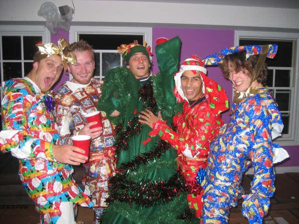 Праздничные новогодние костюмчики от самых креативных людей на свете