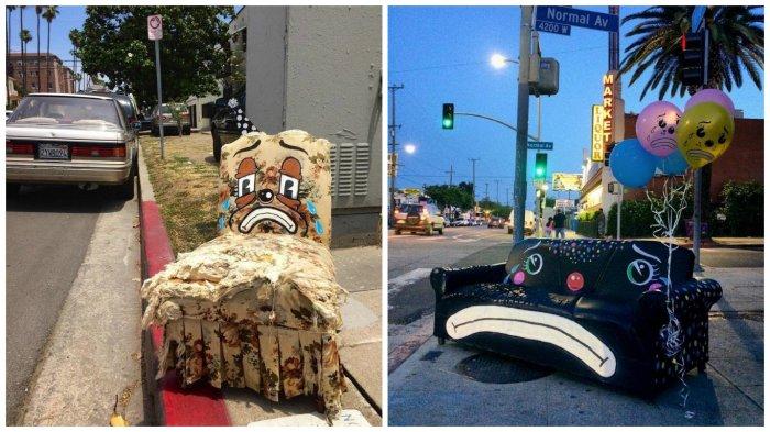 Художник  рисует рожицы грустных клоунов на выброшенных креслах и диванах