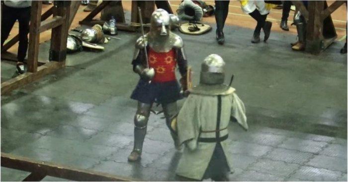 Неожиданный нокаут на рыцарском турнире (видео)