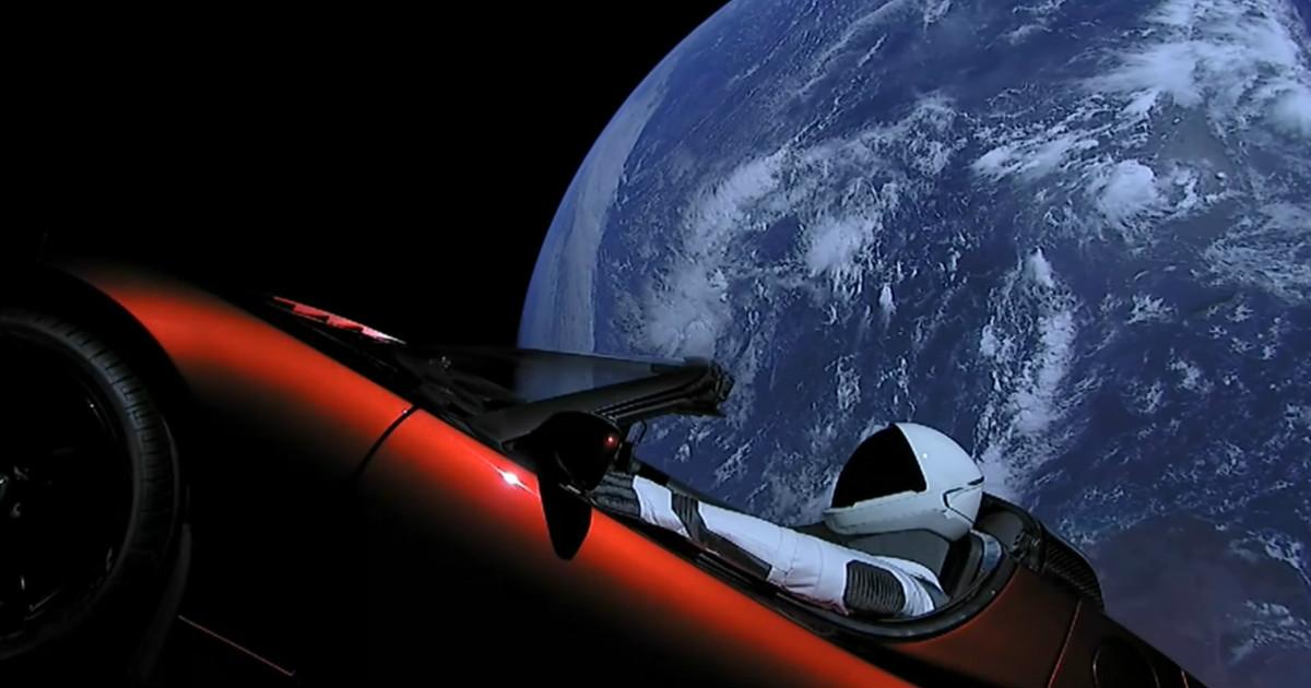 Реакция соцсетей на отправленный в космос автомобиль Tesla