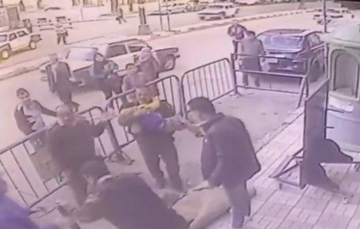 Полицейский чудом поймал свалившегося с третьего этажа ребенка