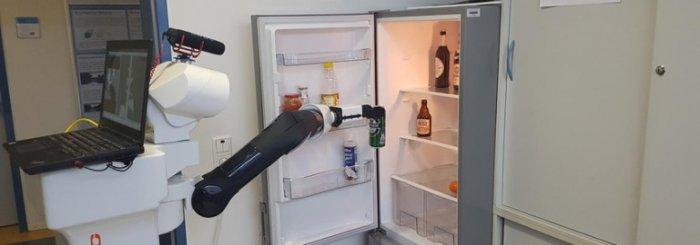 Немецкие инженеры сделали робота, которого можно посылать за пивом