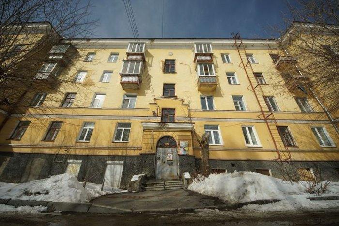Мужчина открыл тайну пятого измерения и уместил в одной квартире 6844 жильца