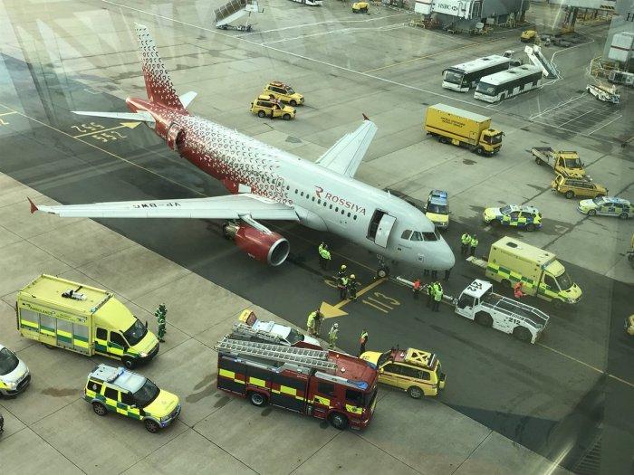 Российский лайнер переехал ногу сотруднику лондонского аэропорта
