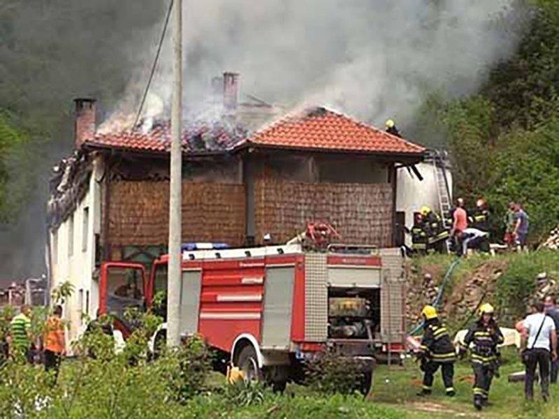 На пожаре в монастыре сгорело все, кроме ликов святых