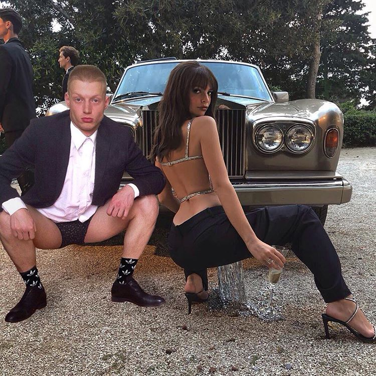 Модель Эмили Ратаковски внезапно засветилась со студентом из Новосибирска