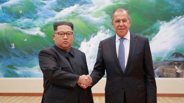 Сурового Ким Чен Ына отфотошопили на встрече с Лавровым